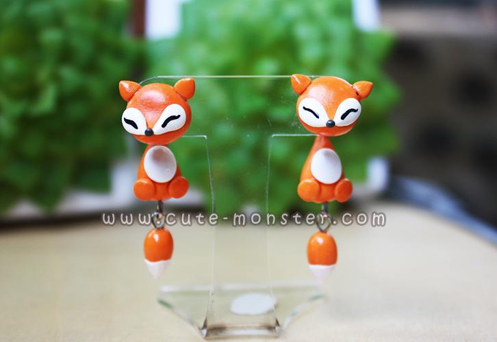 ต่างหูดินปั้น สุนัขจิ้งจอกสีส้ม Cutie orang fox