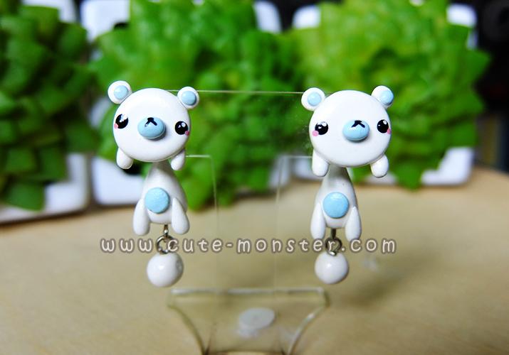 ต่างหูดินปั้น หมีขาว White bear Earrings