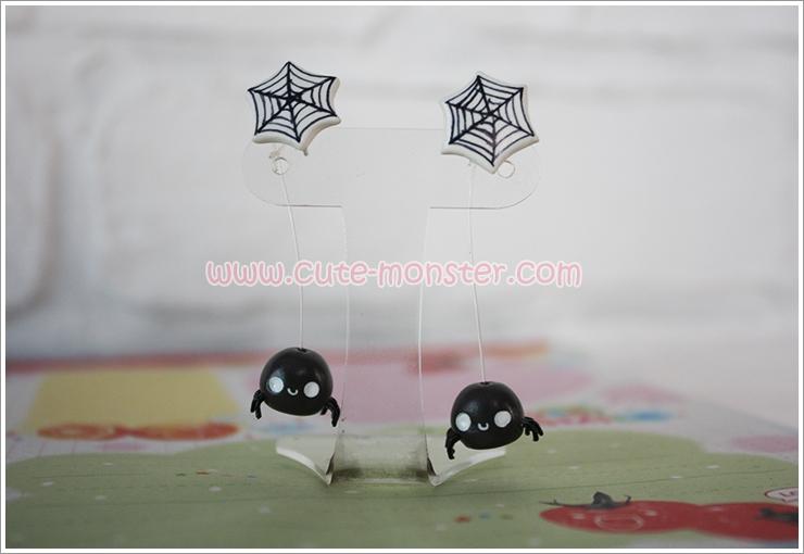 ต่างหูดินปั้น แมงมุม Cobweb & spider Earrings