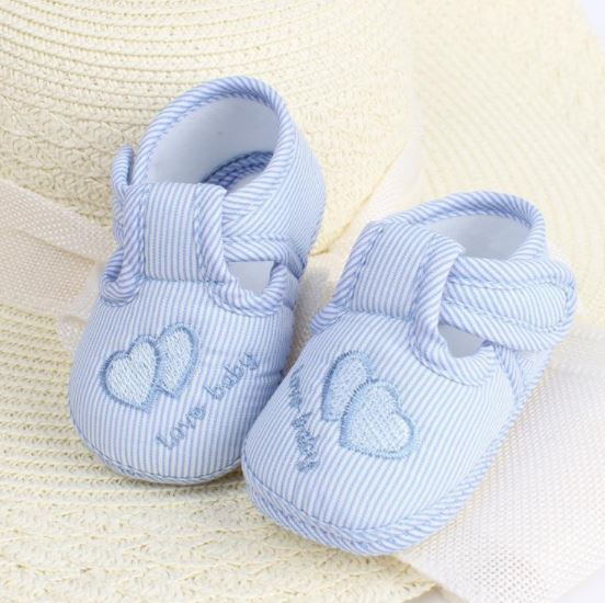 รองเท้าเด็กอ่อน love baby สีฟ้า Size 11-13