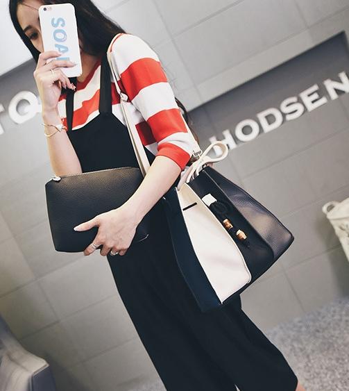 [ ลดราคา ] - กระเป๋าแฟชั่น Set 2 ชิ้น ถือ&สะพาย สีทรีโทนขาวเทาดำ ใบกลางๆ ดีไซน์สวยเก๋ ปรับใช้งานได้หลายสไตล์
