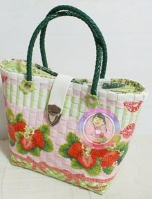 พลาสติกสาน,สานพลาสติก, กระเป๋า เดคูพาจ, กระเป๋า สาน, กระเป๋า แฮนด์เมด, กระเป๋า สวยๆ, กระเป๋าแฟชั่น