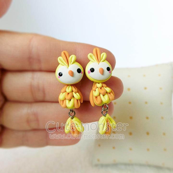 ต่างหูดินปั้น นกน้อยสีเหลือง Yellow Bird Earrings