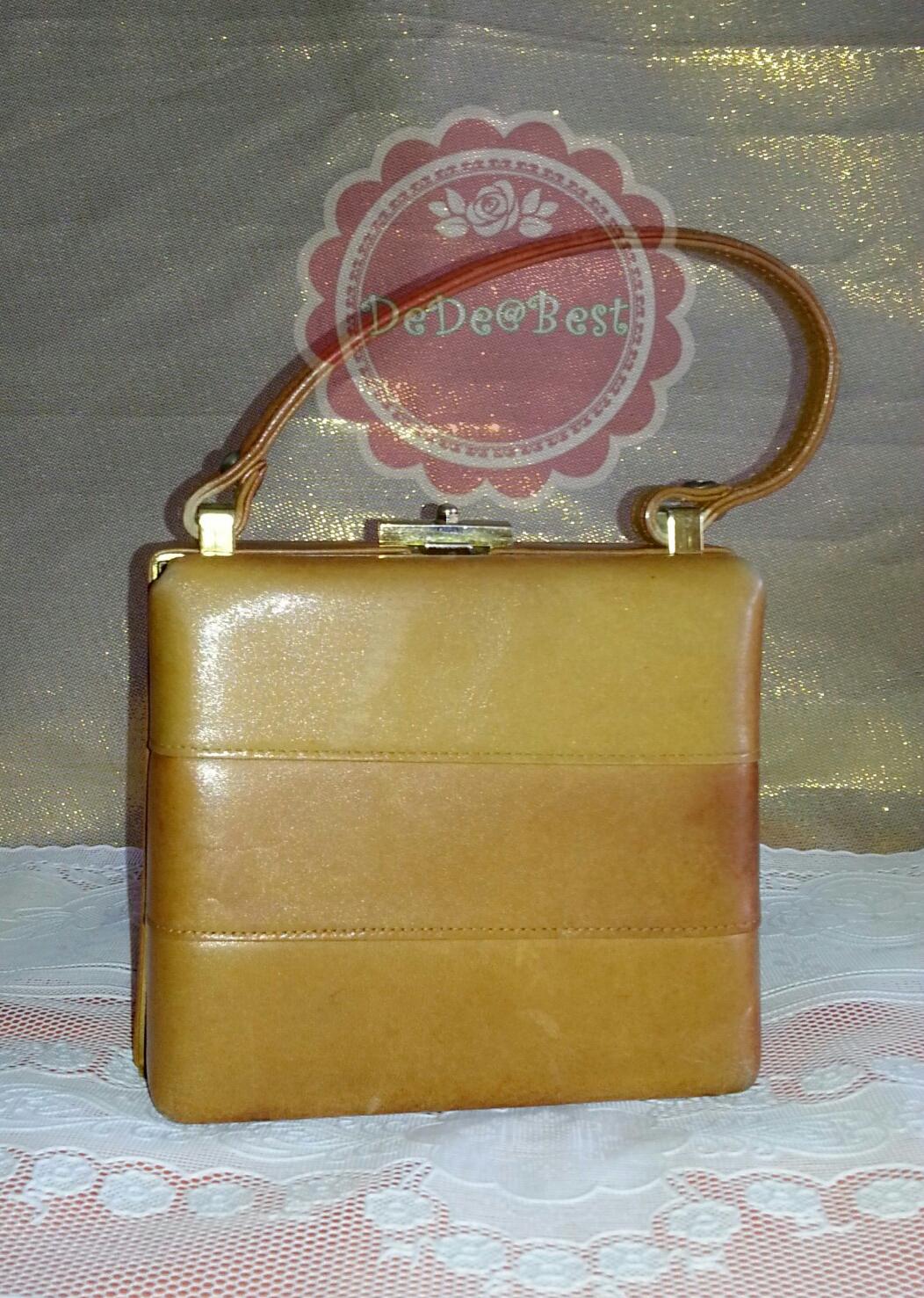 ขายแล้วค่ะ B21:Vintage leather bag กระเป๋าถือหนังแท้สีน้ำตาลทอง ทรงสี่เหลี่ยม สวยค่ะ&#x2764