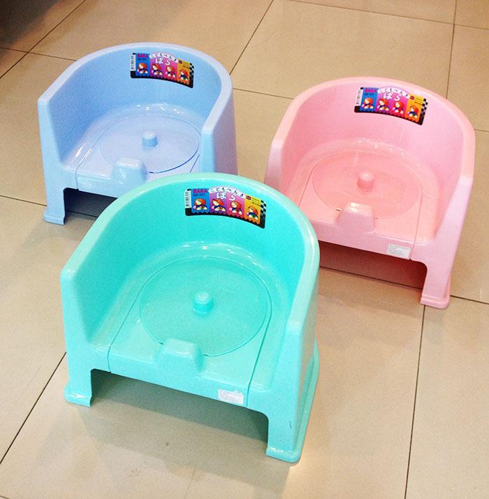 เก้าอี้กระโถนเด็ก มีพนักพิงล้อม Nuebabe
