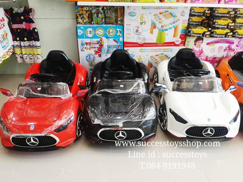 รถแบตเตอรี่เด็กนั่งไฟฟ้า ยี่ห้อรถเบนช์เป่าฟองบั๊บเบิ้ลได้ มี 3 สี แดง ดำ ขาว