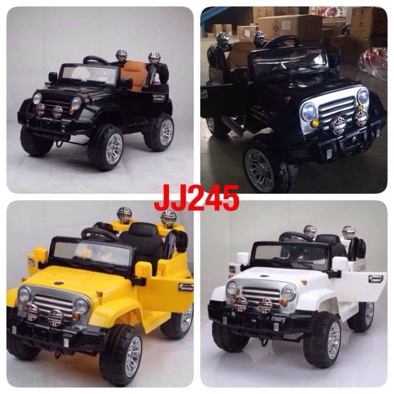 รถจิ๊ฟแบตเตอรี่เด็กนั่งไฟฟ้า รุ่น jj245 มี 3 สี เหลือง ขาว ดำ