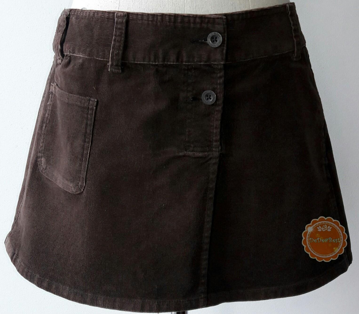 ขายแล้วค่ะ S6:2nd hand skirt กระโปรงผ้าลูกฟูกสีน้ำตาลเข้มทรงน่ารัก❤