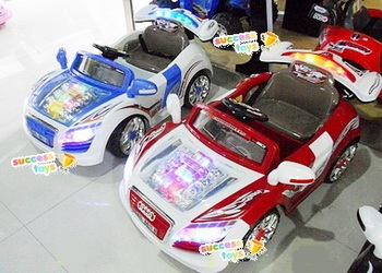 รถแบตเตอรี่เด็กนั่งไฟฟ้า รุ่น LN011-8 รถออดี้โชว์เครื่อง มี 3 สี แดง ฟ้า น้ำตาล