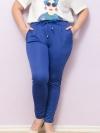 กางเกงไซส์ใหญ่ขายาวผ้ายืดสีน้ำเงินมีกระเป๋าสองข้างมีเชือกผูกช่วงเอวติดยางยืด