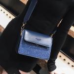 [ พร้อมส่ง ] - กระเป๋าถือ/สะพาย สีน้ำเงินเข้ม วิ้งค์ๆ ขนาดกระทัดรัด ดีไซน์สวยเรียบหรู ดูดี งานหนังสวยค่ะ