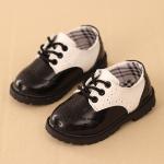 รองเท้าคัทชูเด็กผูกเชือกหนังแก้วสีขาวดำฉลุลาย สไตล์อังกฤษ Size 21-37