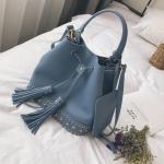 [ พร้อมส่ง ] - กระเป๋าถือ/สะพาย สีฟ้า ทรงขนมจีบตั้งได้ ดีไซน์สวยเรียบหรู ปีกหมุดเท่ๆ ใบกลางๆ งานหนังคุณภาพสวยมากค่ะ