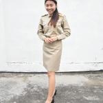 ( พรีเมี่ยม ตราเขลางค์เมืองเด็ก ) ชุดกากี ชุดข้าราชการสีกากี คอเชิ้ต แขนยาว สำหรับข้าราชการหญิง