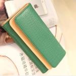 [ พร้อมส่ง ] - กระเป๋าสตางค์แฟชั่น สีเขียว ใบยาว แต่งลายหนังงู ตัดขอบสีครีม งานสวย น่าใช้มากๆค่ะ