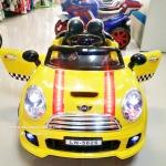 LN5626Y รถแบตเตอรี่เด็กนั่ง ยี่ห้อมินิคูเปอร์(ฝากระโปรงมีไฟ) มี 5 สี แดง เหลือง เขียว ชมพู ขาว