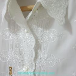 ขายแล้วค่ะ T1:Vintage top เสื้อเชิ้ตสีขาว ปักลายดอกไม้แบบวินเทจ&#x2764