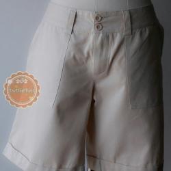 P4:2nd pants เกงเกงขาสั้นสีครีมอ่อน