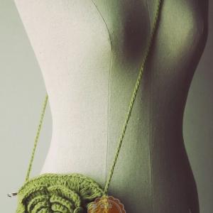 B51:Vintage bag กระเป๋าสะพายรูปดอกไม้ กระเป๋าไหมพรมถัก