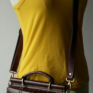 B62:Vintage leather bag กระเป๋าหนังแท้ วินเทจ สะพายข้าง ถอดสายเป็นกระเป๋าถือได้ ตัวกระเป๋าเปิดใช้ได้ทั้ง 2 ด้าน (หน้า/หลัง)