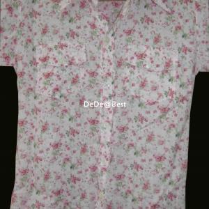แถมให้คุณPum ค่ะ T20:2nd hand top เสื้อเชิ้ตสีชมพูลายดอกกุหลาบจิ๋ว ๆ น่ารัก&#x2764
