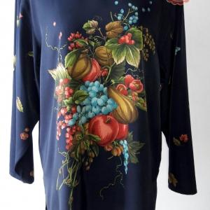 ขายแล้วค่ะT120:Vintage top เสื้อวินเทจสีดำลายผลไม้&#x2764