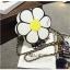 [ Pre-Order ] - กระเป๋าแฟชั่น กระเป๋าสะพาย นำเข้าสไตล์เกาหลี ทรงรูปดอกไม้สีขาว ดีไซน์สวยเก๋น่ารัก โดดเด่นแปลกสวยไม่เหมือนใคร สาวๆชอบงานโดดเด่น ห้ามพลาด thumbnail 16