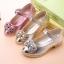 รองเท้าคัชชูเด็กหญิงสีเงิน ประดับโบว์เพชร thumbnail 4