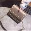 [ พร้อมส่ง Hi-End ] - กระเป๋าคลัทช์ สะพาย สีบรอนด์ทอง ดีไซน์สวยหรู ฟรุ้งฟริ้ง วิ้งค์ๆทั้งใบ ขนาดกระทัดรัด thumbnail 13