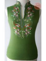 T24:2nd hand top เสื้อแขนกุดสีเขียวผ้ายืด คอจีน ปักลวดลายละเอียด สวย