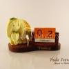ของที่ระลึก ช้างทรงเครื่องเรซิ่นปฏิทินตั้งโต็ะ R002 By Huda Souvenirs