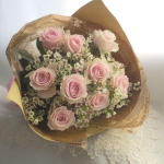 ช่อดอกไม้ กุหลาบชมพู สไตล์วินเทจ