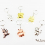 พวงกุญแจโลหะ ลวดลายช้าง คละสีคละลาย จำหน่ายแพ็คละ 6 ชิ้น พวงกุญแจไทยๆ พวงกุญแจ keychain