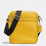 พร้อมส่ง กระเป๋าผู้ชาย COACH รุ่น FLIGHT BAG IN SMOOTH LEATHERHT BAG F71723 : BANNANA