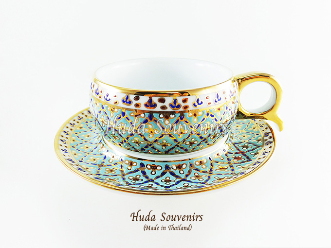 ของที่ระลึก แก้วกาแฟเบญจรงค์ หูกรรไกร ลวดลายดอกมะลิ โทนสีฟ้า ลายเนื้อนูนเคลือบผิวเงา สินค้าพร้อมส่ง (ราคาไม่รวมกล่อง)