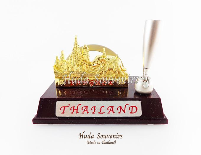 ของที่ระลึกไทย ที่เสียบปากกาพร้อมใส่นามบัตร ลวดลายเอกลักษณ์ไทย ปั้มลายเนื้อนูน สินค้าบรรจุในกล่องมาให้เรียบร้อย สินค้าพร้อมส่ง